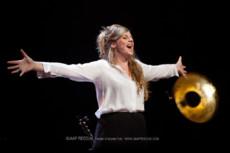 Theater:  Elke Vierveijzer- Ode aan Maarten van Roozendaal